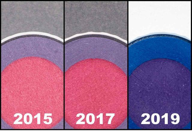 画像: (2015)新ウレタンカバーで打感が向上 (2017)ディンプルの変更で弾道が安定 (2019)アウターコアを厚くし反発性能アップ