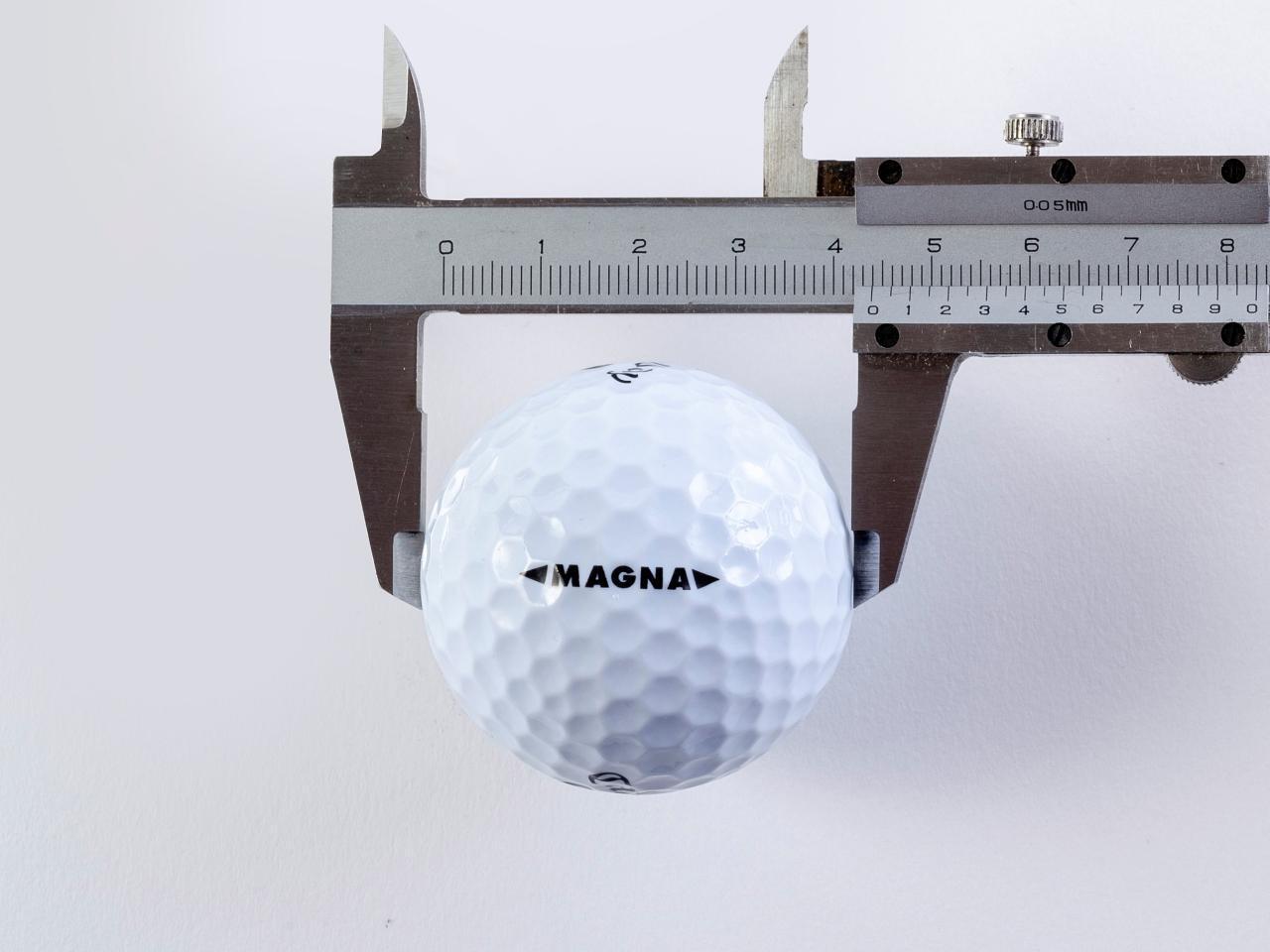 """画像: 【ボール分析①】""""軽い""""球は飛ぶ。""""大きい""""球は当たる。大胆発想が初心者、女子、アベレージ、シニアを救う! - ゴルフへ行こうWEB by ゴルフダイジェスト"""