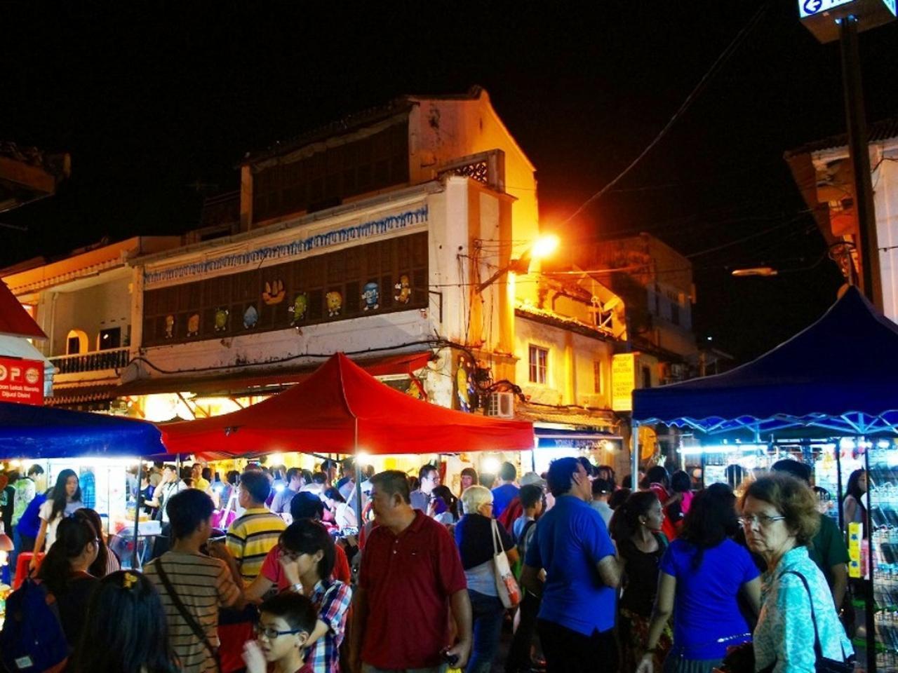 画像: 夜はジョンカー・ストリートのナイトマーケットが楽しい