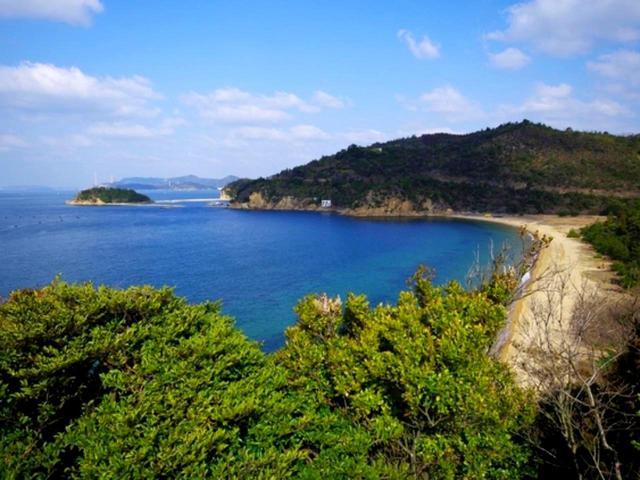 画像: 直島から瀬戸内海を臨む