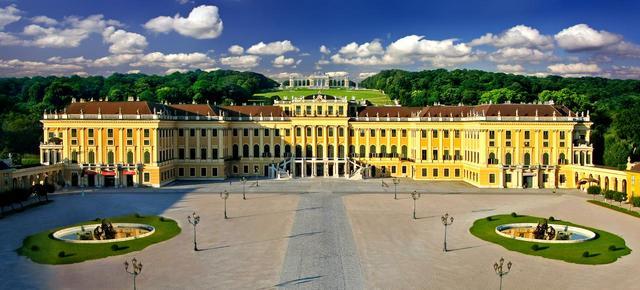 画像: ハプスブルク家が夏に過ごした「シェーンブルン宮殿」。ウィーンのシンボル(©ANTO-Julius-Silver)