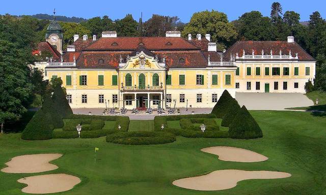 画像: 4日目は古城の庭園を27ホールのコースにした「ゴルフクラブ・シュロス・シェーンボルン」でプレー