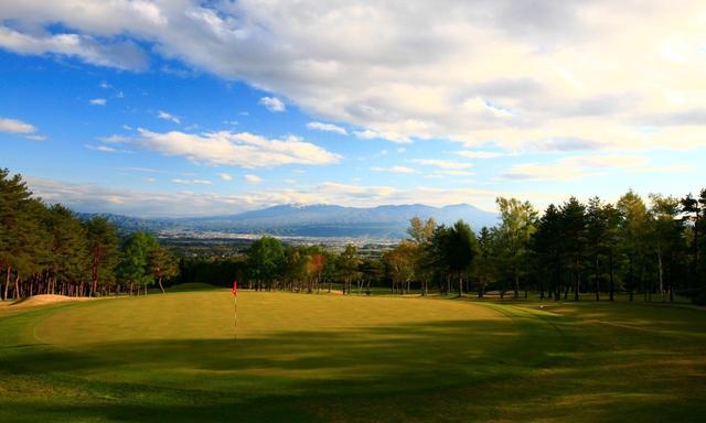 画像: 大浅間ゴルフクラブ 今年55年を迎えた軽井沢の名コースのひとつ。 公式ホームページはこちら