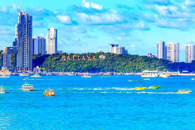 画像: ビーチリゾートとして世界中から人気を集めるパタヤは、新鮮魚介の宝庫