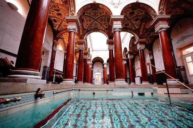 画像: ゴルフの後はホテル内にあるミネラルウォーターを使用したローマ風呂にゆったり浸ろう。