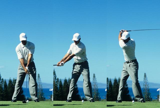画像: 2002年のスウィング。この年、タイガーはマスターズ、全米オープンを制し、賞金王に輝く