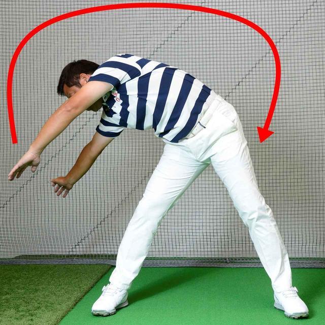 画像: 両腕は同じ幅で一緒に動かそう