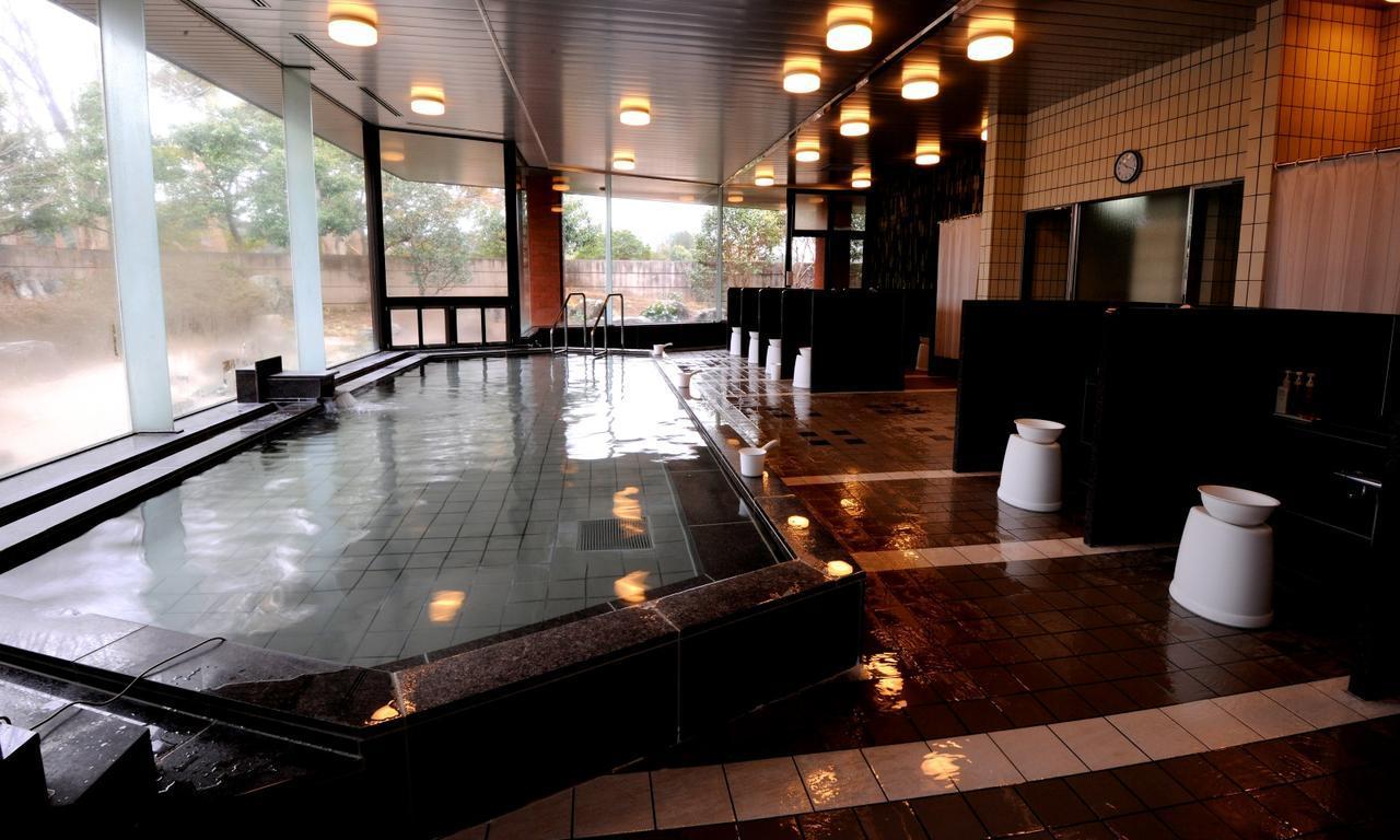 画像: 男性用風呂場(女性用の風呂場も大きく新設)