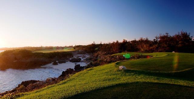 """画像: 【沖縄・宮古島】""""シギラベイCC""""と""""エメラルドコーストGL""""、ゴルフアイランドの絶景ビーチサイドコースでゴルフ 宮古島3日間 2ラウンド - ゴルフへ行こうWEB by ゴルフダイジェスト"""