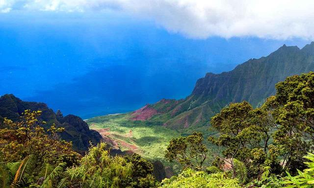 """画像: 【ハワイ・カウアイ島】神秘の島に造られた名コース、""""ポイプベイ""""、""""ホクアラ""""、好きなコースを選んでプレー。カウアイ島 5日間。2ラウンド - ゴルフへ行こうWEB by ゴルフダイジェスト"""