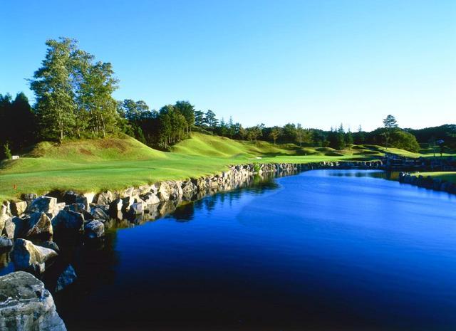 画像: コースレート73.5の「花の杜ゴルフクラブ」(宮城県)。写真は 16番(190Y・パー3)