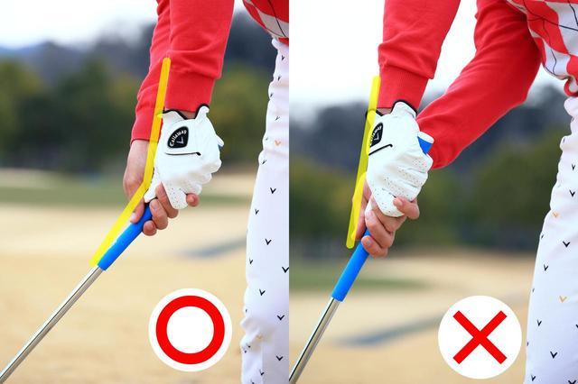 画像: 〇左手首とシャフトの角度をキープして打つ。 ×手首がほどけるとヘッドが落ちてダフる