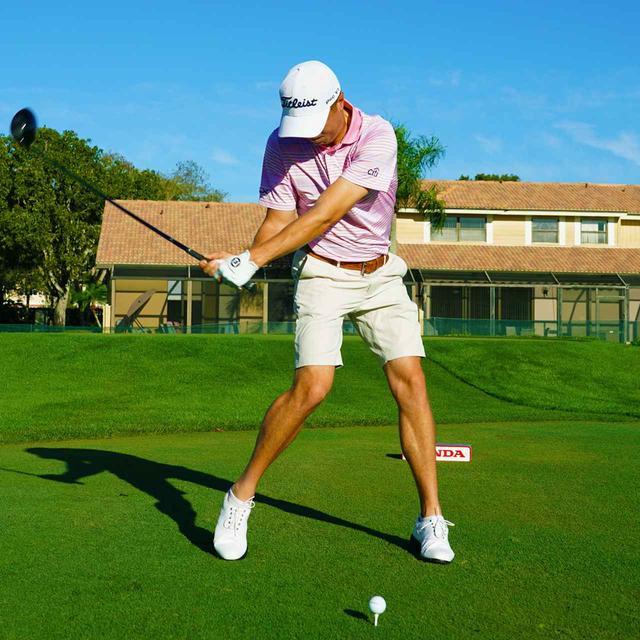 画像: 左脚を伸ばしてつっかえ棒のように使う