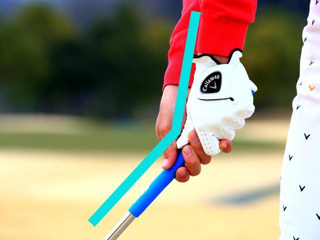 画像5: ダウンスウィングで左腕を伸ばす