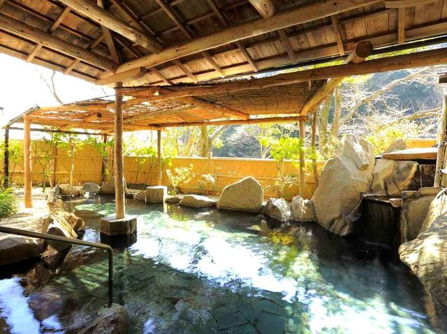 画像: 泊まりは「桃沢温泉 長泉山荘」