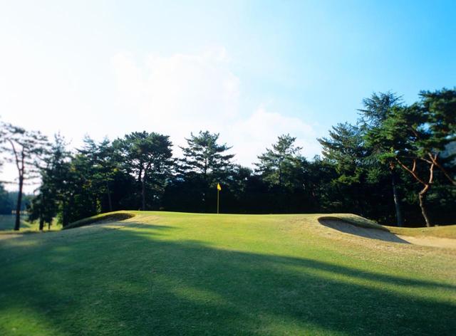 画像: 門司ゴルフ倶楽部 2番ホール(515Y・P5)