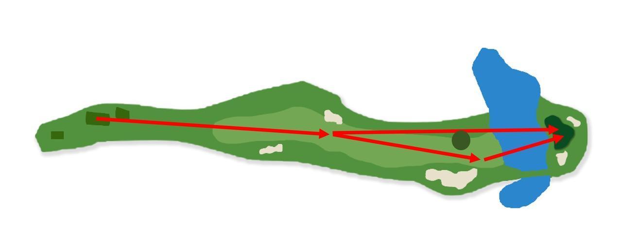 画像: オーク・ヒルズカントリークラブ 16番ホール(501Y・P5) 330ヤード地点のオークツリーが攻略のポイント。2オンを狙うには池越えで距離のある冒険的なショットが必要。オークツリーを避けて安全策を取りたくなるが、その場合は右サイドに大きなバンカーが待ち受ける