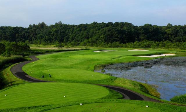 画像: 北海道ブルックスカントリークラブ 16番(201Y)P3 左右に湿原が広がる名物ホール