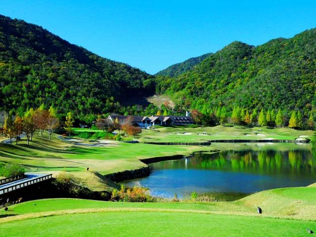 画像1: 【コース設計家・R・T・ジョーンズJr】冒険に挑んで成功すればご褒美「リスク&リワード」の匠。日本には23コース! - ゴルフへ行こうWEB by ゴルフダイジェスト