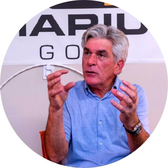 画像: 【指導/マリウス・フィルマルター】 1955年生まれ。南アフリカ共和国出身。南アからジンバブエ、ドイツ経て、アメリカに移住。タイガー・ウッズ、アーニー・エルス、ブラッド・ファクソン、石川遼など、これまでPGAツアーで活躍する数多くのプレーヤーのパッティングコーチを務めてきた