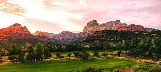 画像: 【米国・セドナ&ロサンゼルス】GWに行く。巨岩レッドロックの街の名コース 7日間3プレー 1人から受付 - ゴルフへ行こうWEB by ゴルフダイジェスト