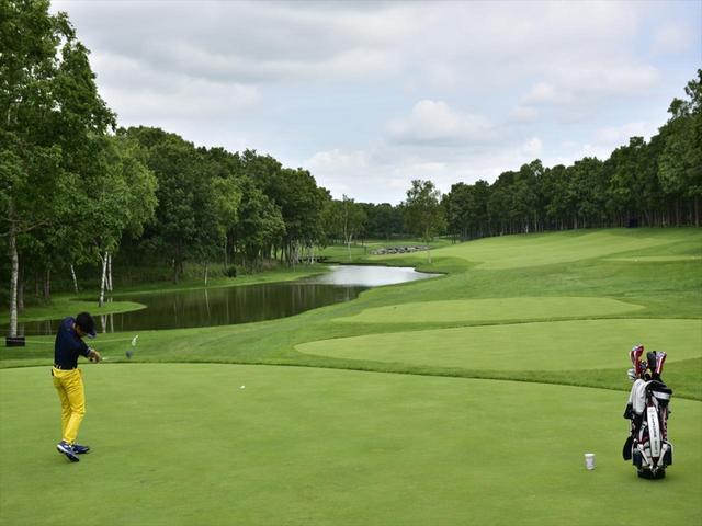 画像: 【今週の上がり3ホール】初日終わってトップは8アンダー 日本プロゴルフ選手権開幕中! - みんなのゴルフダイジェスト