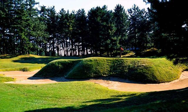 画像: 【コース設計家・佐藤儀一②】グリーンは山塞、バンカーは砂堀、アゴは城壁。片山津GCで見たゴルフ哲学 - ゴルフへ行こうWEB by ゴルフダイジェスト