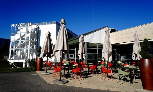 画像: パリ郊外のコースらしく施設の雰囲気は欧州のエグゼクティブリゾート