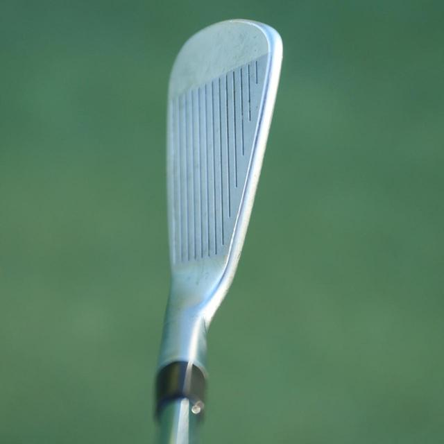 画像: 【Iron】シャープなブレード形状