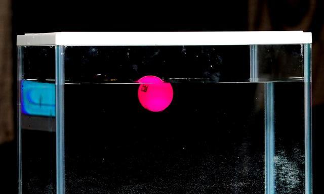 画像: 「コルテオライト 39」は水に浮く!