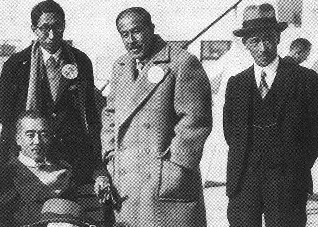 画像: 中央が大谷光明。1907年から3年間英国に滞在しゴルフを覚えた。後列左は小寺酉二