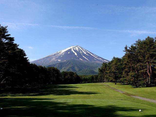 画像: 3番ホール/408㍎/パー4(丹沢コース)美しい富士山が望められる。ゆるやかな打ち上げ