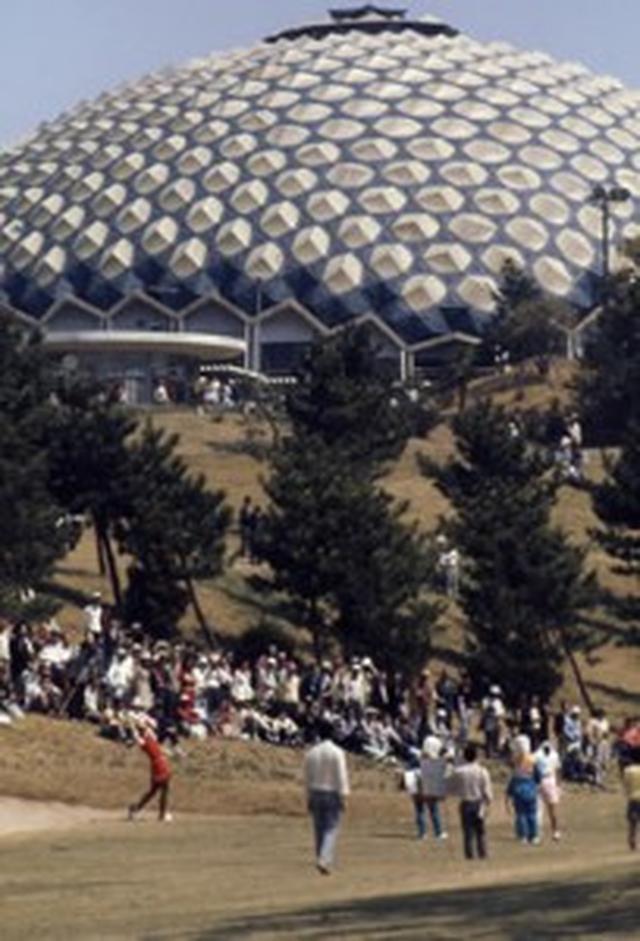 画像: 斬新だったドーム型のクラブハウス