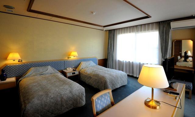 画像: クラブハウスに隣接するホテル。宿泊プランも充実