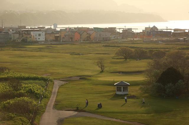 画像: 【小樽カントリー倶楽部】北海道最古のコース。「海も風も原野もスコットランドに似ている」と銭函に造られた - ゴルフへ行こうWEB by ゴルフダイジェスト