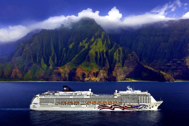 画像: オアフ島から「プライド・オブ・アメリカ」でクルーズ7日間、マウイ、ハワイ、カウアイの名コースばかりでゴルフ