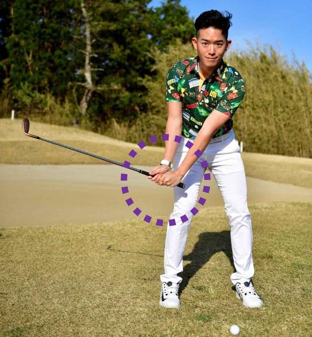 画像: 振り幅は小さくてもヘッドの運動量が多くなればなるほどヘッドスピードが上がって球が上がりやすくなります。コックを積極的に使ってバックスウィングしましょう