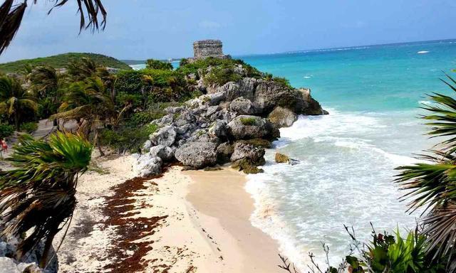 画像: 眼前にはカリブ海