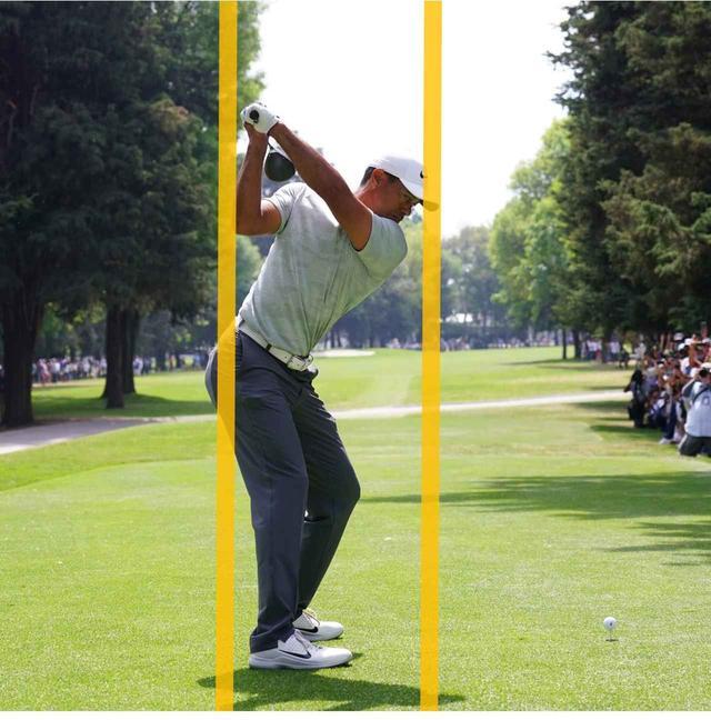 画像: 下半身の回転に無理がない。右のお尻が線からはみ出す。これがいい回転の証