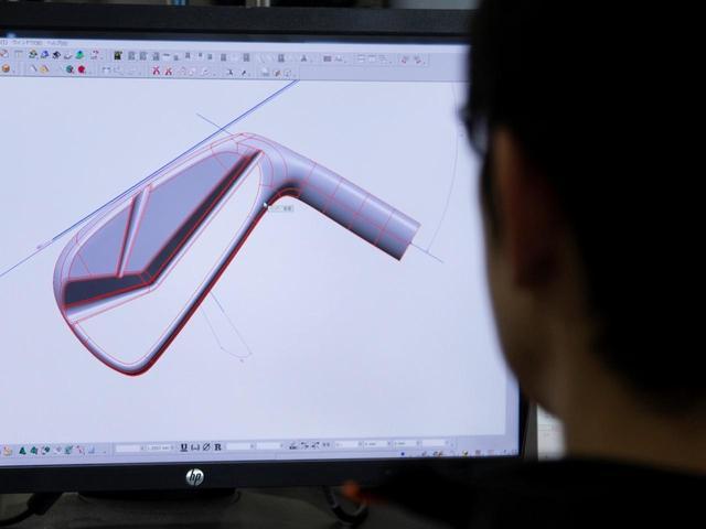 画像: 酒田工場ですべての工程を実施できるので、ニーズ対応が早いのも本間ゴルフの売りのひとつ