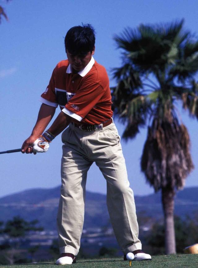 """画像2: 【通勤GD】伊澤利光「イザワの法則」Vol.20  ジャンボさんの""""技術""""を今はクラブがやってくれる ゴルフダイジェストWEB"""