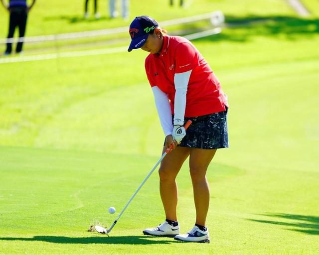 画像: 【ウェッジ選び】アイアンとAWの間にもう1本。女子プロは48・52・58度の3本体制がスタンダード - ゴルフへ行こうWEB by ゴルフダイジェスト
