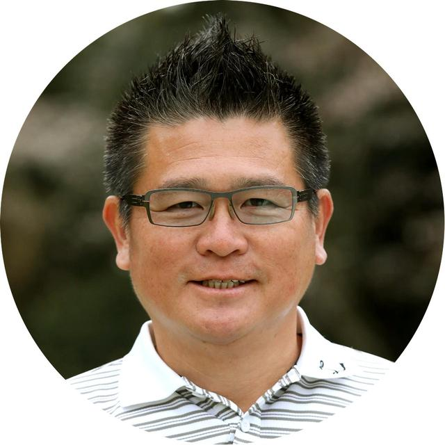 画像: 【解説】日下部光隆 1968年生まれ。ツアー3勝の実績を持つショートゲームの天才。昨年末からシニアツアーに参戦。「WOSSゴルフスタジオ」を主宰