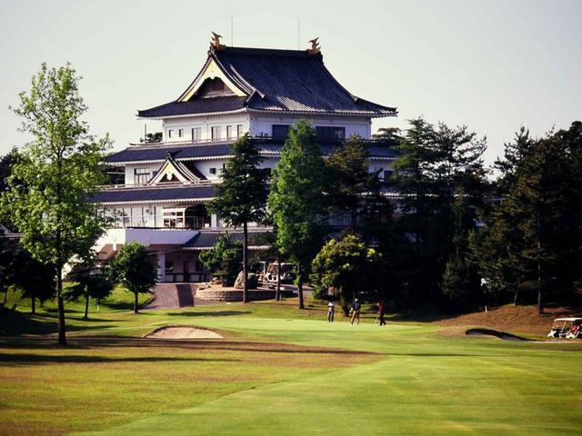 画像: クラブハウスがお城の形「加賀カントリークラブ」