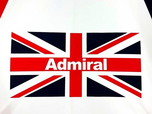 画像: アドミラルの母国、英国のユニオンジャックを模したデザイン