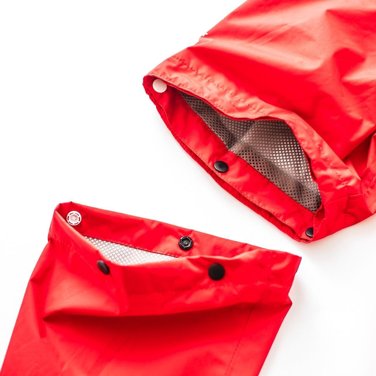 画像: 袖を取り外すと半袖に。蒸し暑い日でも快適にプレーできます
