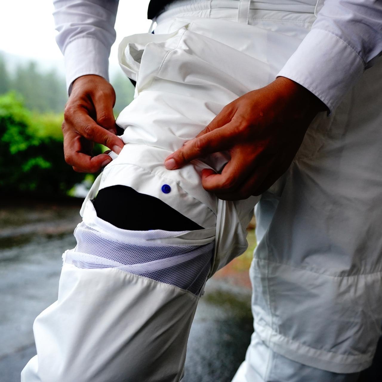 画像: 袖だけでなく、パンツ の裾も取り外せる。「リゾートゴルフのときに使えますね」