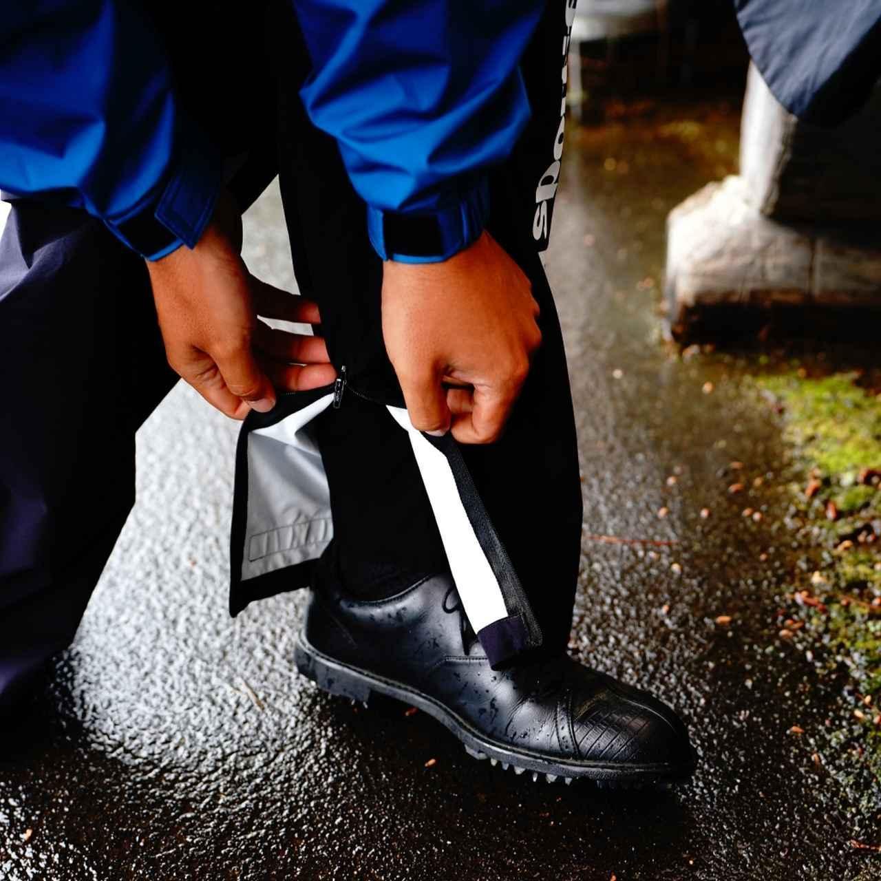 画像: メッシュ裏地はスパイクが引っかかるので靴を脱ぐ必要があるが、これは履いたままで平気