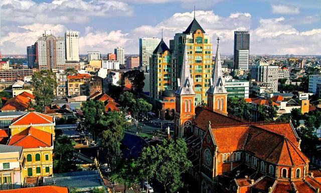 画像: ホーチミンの旧所「サイゴン大教会」