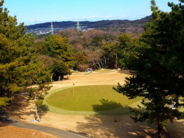 画像: 打ち上げのほうが、飛距離への影響は大きくなる(鎌倉カントリークラブ 3番 パー3)